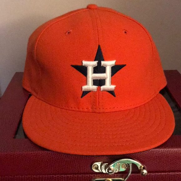 f482210ad98 Houston Astros fitted hat. M 5af703bddaa8f6d88e681d87